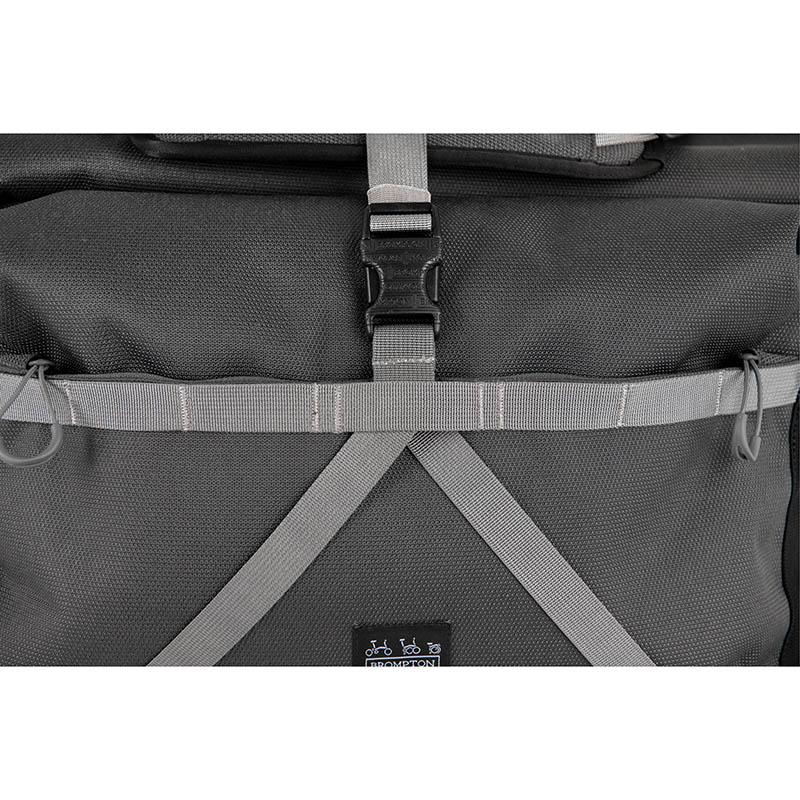Feedback Borough waterproof bag L 9022946_brompton_borough_roll_top_bag_large_dark_grey_10